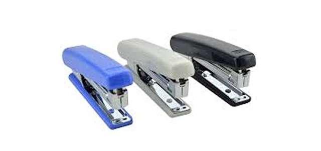 Zszywacz biurowy Classic Mini Plus niebieski DELI No 0221