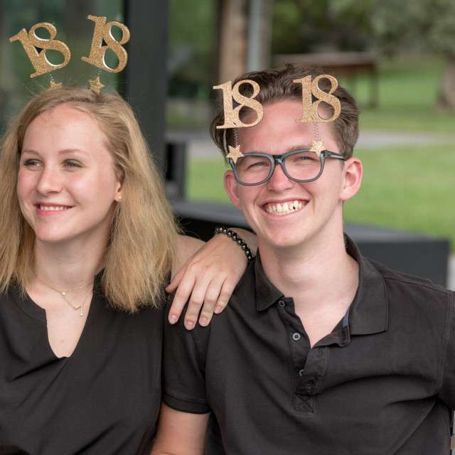 Okulary party 20 Urodziny czarno-złote Santex