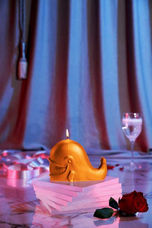 Świeca Wieloryb pomarańczowa perła Candellana