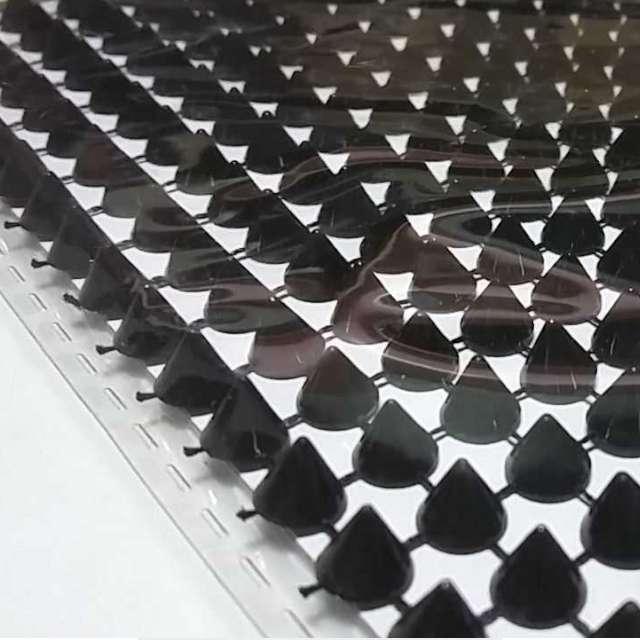 Aplikacje Ćwieki czarne Titanum 130 x 95 mm 252 szt