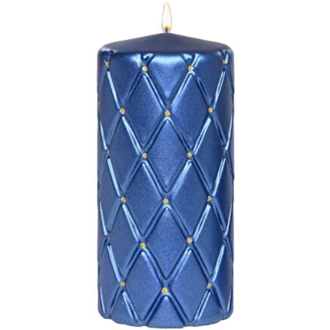 """Świeca pieńkowa """"Pikowana metaliczna"""", niebieska, Adpal, 150/70 mm"""