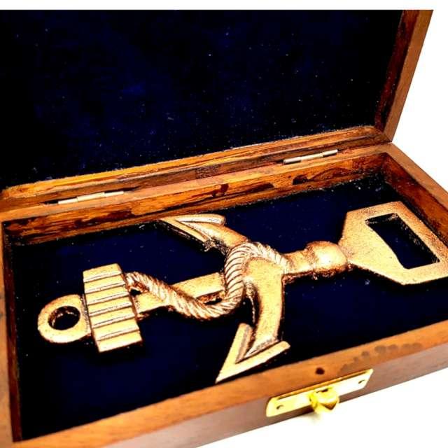 Otwieracz Kotwica w drewnianym pudełku złoty Kemiś