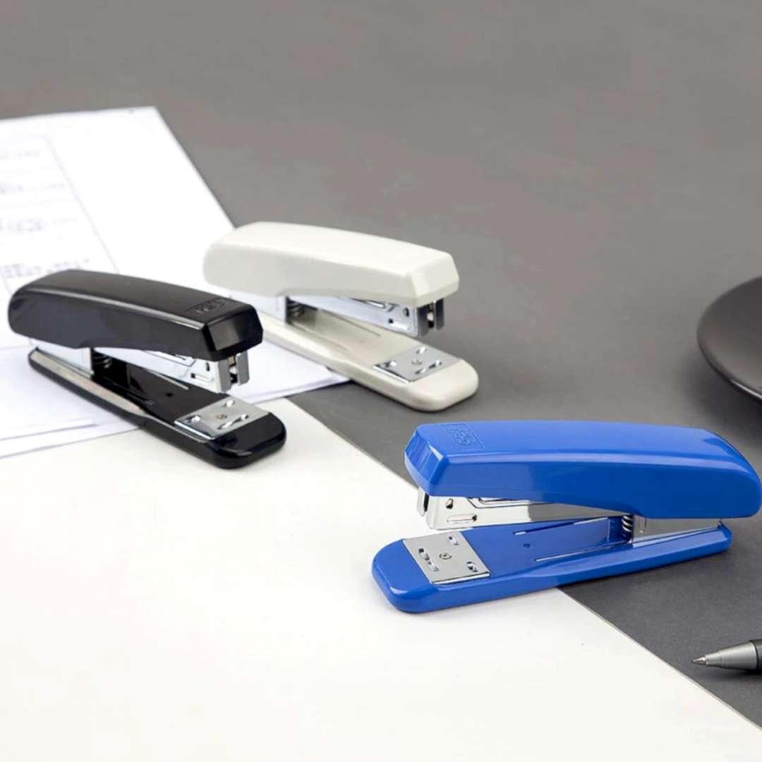 Zszywacz biurowy Classic niebieski DELI No 0306